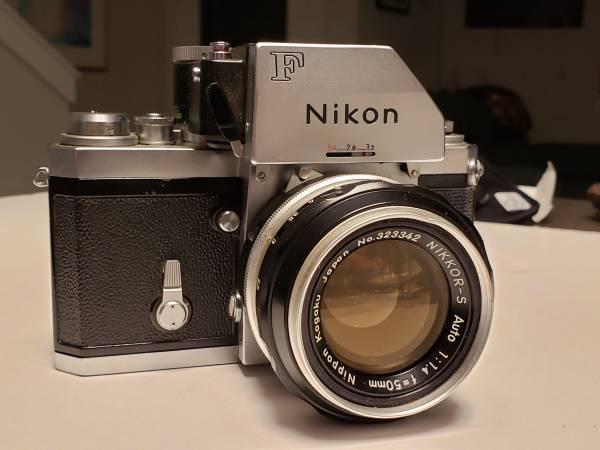Photo Nikon F film camera and lenses - $375 (San Antonio)