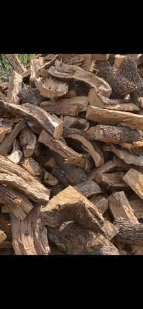 Photo Seasoned Fire Wood Mesquite -Oak Firewood  Hunting cfireplace - $160 (Lytle)