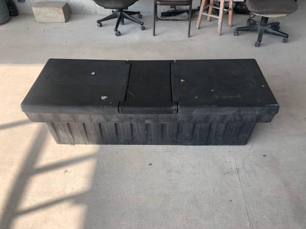 Photo Small truck tool box Laredo - $1 (Laredo)