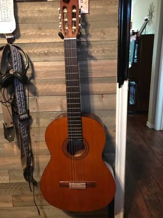 Photo Yamaha guitar CG-100A - $100 (San Antonio)