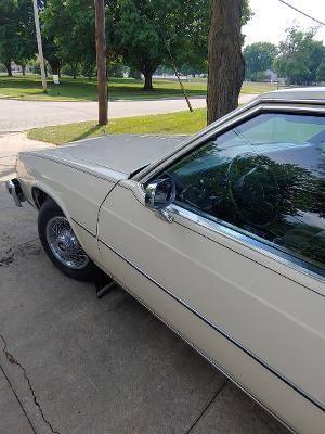 Photo 1984 Buick Le Sabre Limited - $5,500 (Ottawa, Il.)