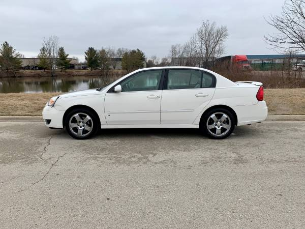 Photo 2007 Chevy Malibu RUNS LIKE NEW NO ISSUES $2900 - $2900 (Joliet IL)