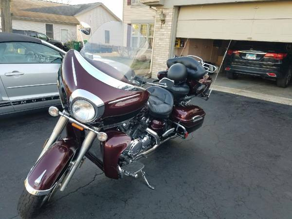 Photo 2008 Yamaha Royal Star Venture or trade for pontoon - $5,999 (Grayslake il)