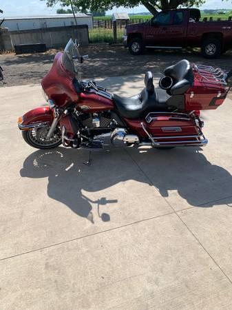 Photo 2010 Harley Davidson Ultra Classic - $10,500 (Annawan)