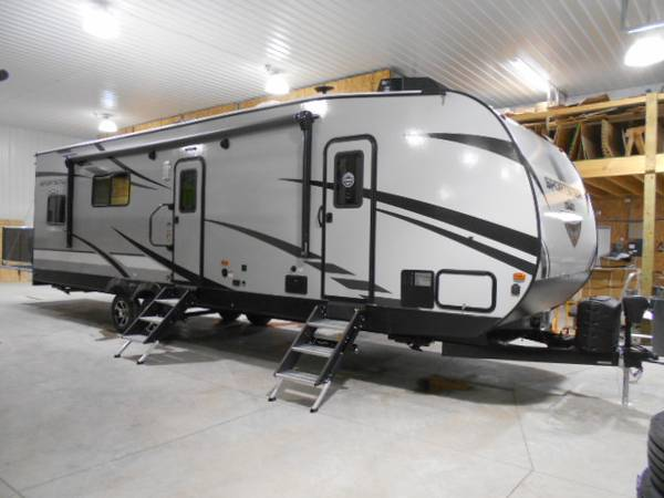 Photo 2021 KZ Sportster 301THR Toy Hauler - 33 Ft - 1 Slide - 15 Ft Garage - $39,995 (Rockville, IN)