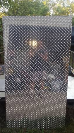 Photo Aluminum Diamond Plate - $100 (Cedar Lake)