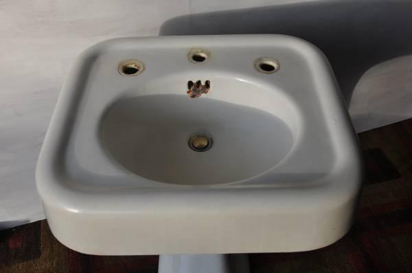 Photo Antique KOHLER bathroom sink - $45 (Park Ridge)