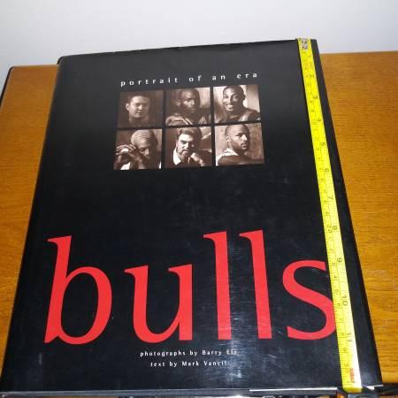 Photo Chicago Bulls Basketball 1998 Hard Cover Photo Book New Michael Jordan - $20 (Chicago)