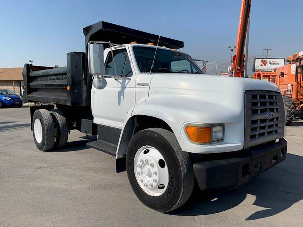 Photo FORD F8OO DUMP TRUCK  CUMMINS 5.9 DIESEL  ALLISON AUTOMATIC - $27,500 (SHARP  2-OWNER CARFAX  AFFORDABLE  NO CDL REQUIRED)