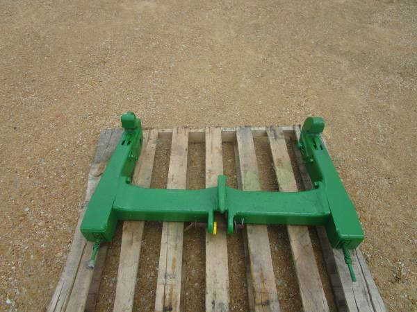 Photo John Deere Quick Hitch - $450 (Amboy, IL)