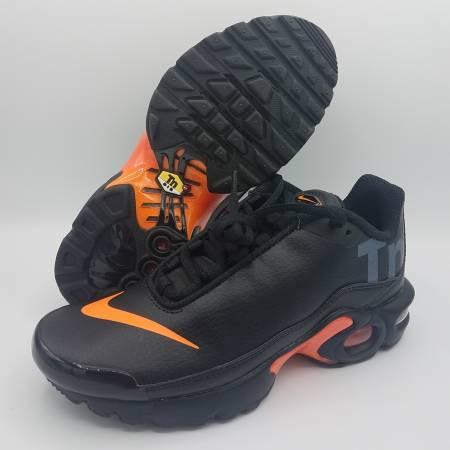 Photo NEW Nike Air Max Plus TN SE Black Laser Orange Kids Sz 3.5Y  Womens 5 - $125 (Naperville)