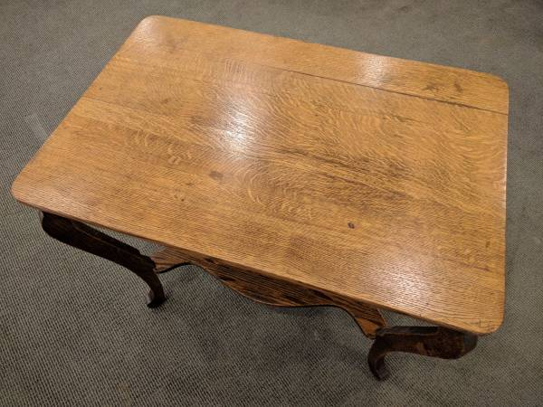 Photo Oak table with drawer - $195 (Chicago)