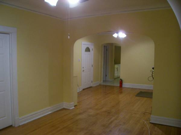 Photo (Pets Maybe) Really Nice 7-room, 3BR, 1350 SF apt. Deck, Heat incl. (Bridgeport, Chinatown, Sox, IIT, UIC, UC)