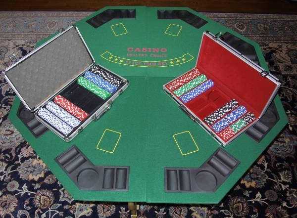 Photo Poker Table Top  600 Chips quotMINTquot - $95 (Saint Charles, IL)