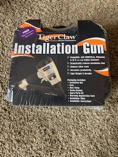 Photo Tiger Claw Pneumatic Gun- Decking - $300 (Oglesby, IL)
