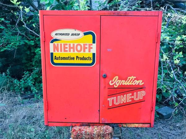 Photo Vintage Gas Station,Store Niehoff Tune Up Center Automotive Cabinet Wi - $150 (Mendota)