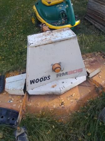 Photo Woods Finish Mower - $750 (Putnam)