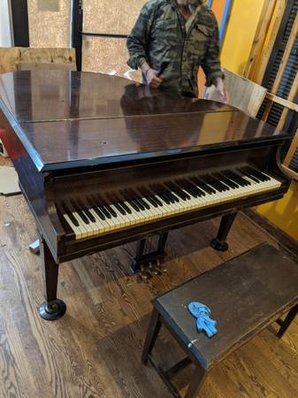 Photo Wurlitzer baby grand piano - Conn organ. Two upright pianos - $980 (Lincoln Park)