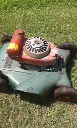 Photo antique craftsman mower - $100 (seneca)