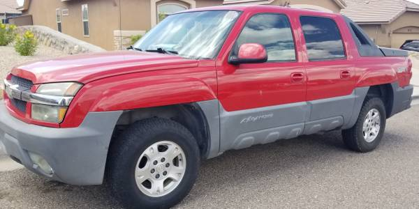 Photo 2002 Chevy Avalanche - $4,780