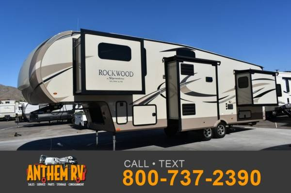 Photo 2019 FOREST RIVER Rockwood Signature Ultra Lite 8297S - $49,999 (Fifth Wheel)