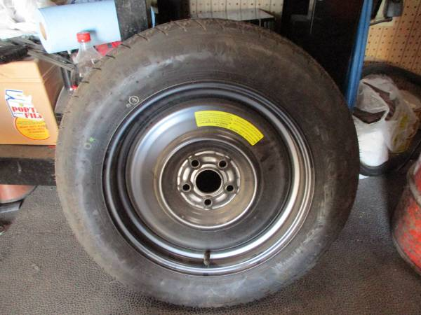 Photo BRAND NEW TEMPORARY quotDONUTquot SPARE TIRE AND WHEEL NEVER BEEN USED - $50 (Las Cruces)