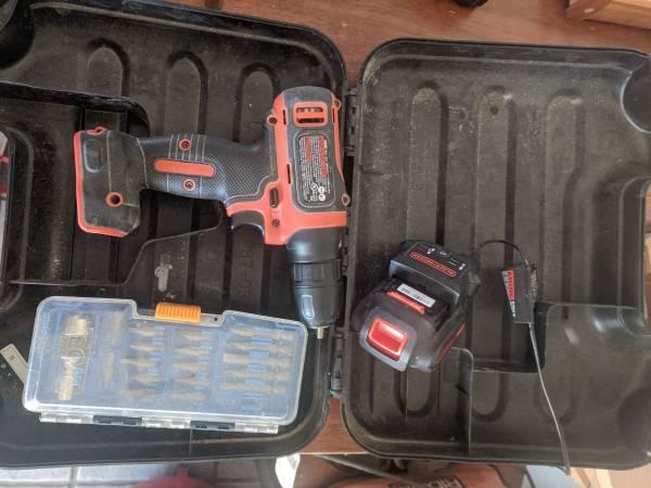 Photo Black and Decker Drill w ryobi bit set - $25 (Las Cruces)