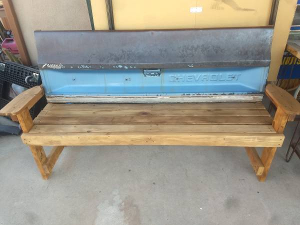 Photo Chevy Truck Tailgate Rustic Bench - $325 (Las Cruces)