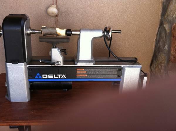 Photo Delta Wood Lathe - $350 (Las Cruces)