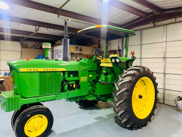 Photo John Deer Tractor 3020 Diesel - $16,500 (Las Cruces)