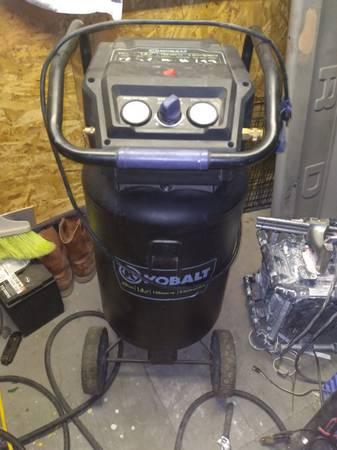 Photo Kobalt air compressor 20gal - $150 (Las Cruces)