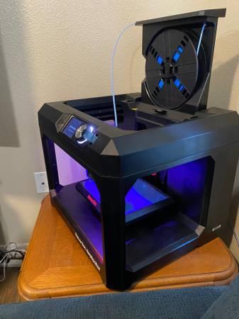 Photo Makerbot replicator 5th gen - $350 (Las cruces)