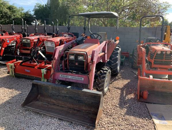Photo Massey Ferguson MF1429 4x4 Tractor (Call Us About Our Lay-A-Way Program Today)