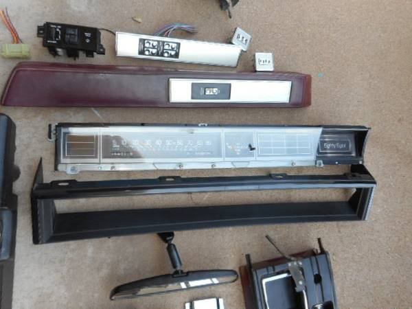 Photo Olds Delta 88 cluster-gauges  Parts - $300 (Alamogordo)
