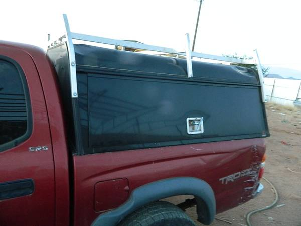 Photo TOYOTA TACOMA DOUBLE DOU CAB BED COVER CAMPER COVER - $375 (LAS CRUCES NM)