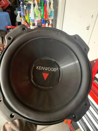 Photo 12 kenwood speakers - $40 (Las Vegas)