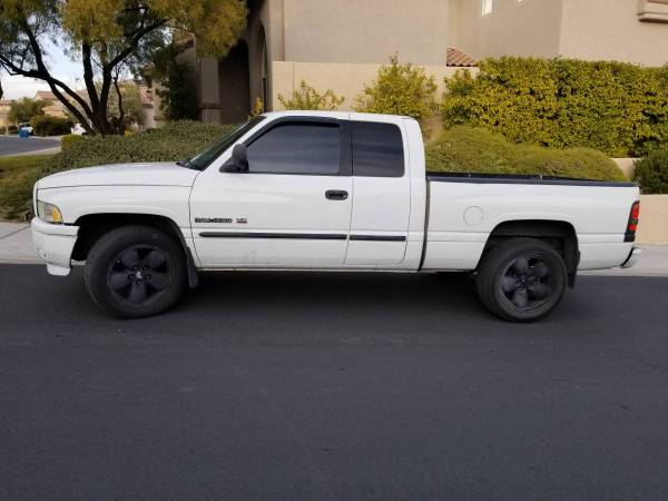 Photo 2001 Dodge Ram 1500 - $1500 (summerlin)