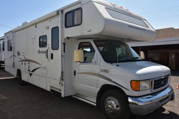 Photo 2006 OUTLOOK BY WINNEBAGO MOTORHOME FORD E450 W 13,285 MILES - $38,990 (fort mohave)