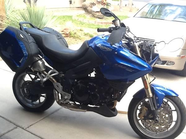 Photo 2006 triumph tiger ABS motorcycle - $1650 (Henderson nevada)