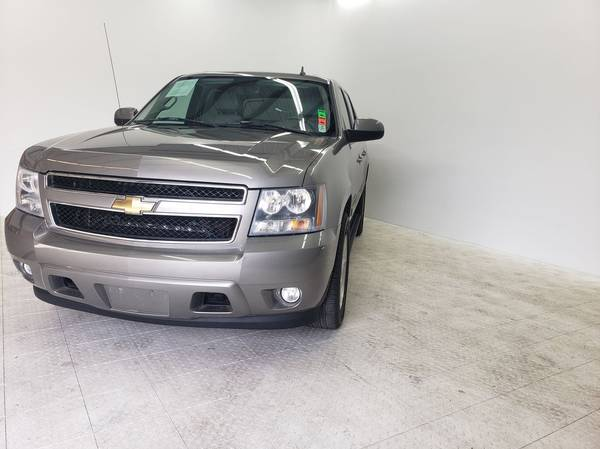 Photo 2007 CHEVY AVALANCHE ((COME GET IT NOW)) - $399 (Down)