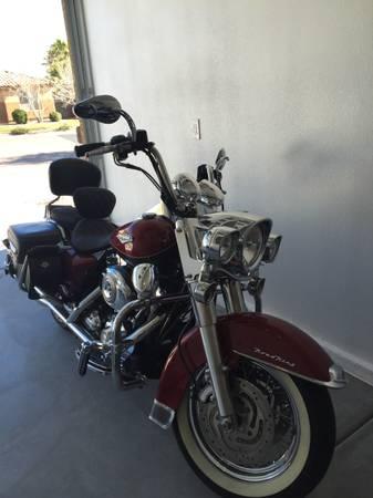 Photo 2007 Harley Davidson Road King Classic (Only 1600 Miles) - $9,500 (Las Vegas)