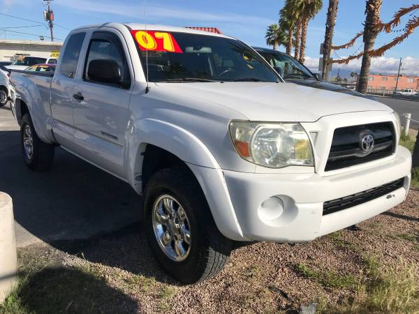 Photo 2007 TOYOTA TACOMA 4X4 MANUAL 5-SPD, GOING OUT FOR BUSINESS $8850 - $8850