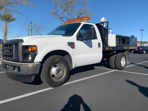 Photo 2008 F350 SuperDuty Dully Diesel flatbed truck with tommy lift - $19822 (las vegas)
