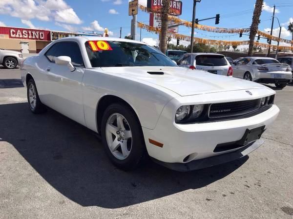 Photo 2010 DODGE CHALLENGER SE COUPE GOING OUT FOR BUSINESS $8850 CASH - $8850