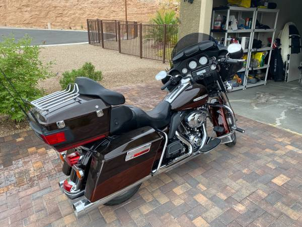 Photo 2011 Harley Ultra Limited - $11,000 (Mesquite)
