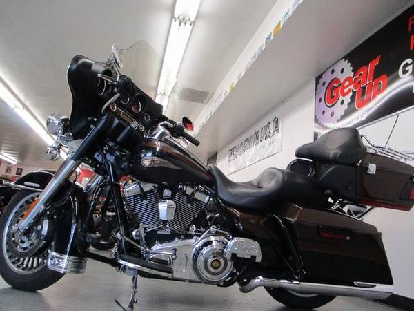 Photo 2013 HARLEY DAVIDSON ELECTRA GLIDE LIMITED 110th ANNIVERSARY - $14,995 (GEAR UP MOTORSPORTS)