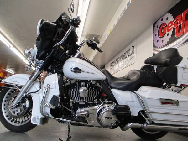 Photo 2013 HARLEY DAVIDSON ULTRA CLASSIC - FINANCING AVAILABLE - $12,995 (GEAR UP MOTORSPORTS)