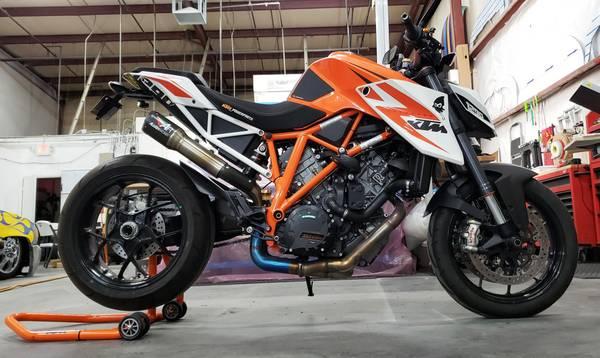Photo 2014 KTM 1290 Superduke R - $11,500 (Las Vegas)