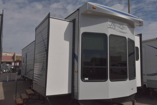 Photo 2020 HYLINE HY40 CUSTOM DESIGN - $47990 (FORT MOHAVE)