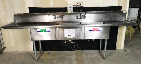 Photo 3-Compartment Stainless Steel Commercial Sink - $500 (Downtown)